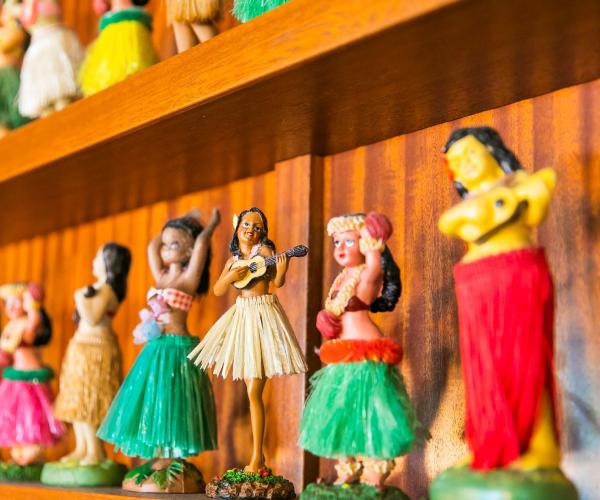 Imágenes de figuras hawaianas.